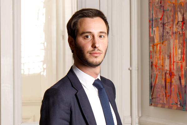 Adema Avocats - Cabinet d'avocats paris- Photo de Hugo DAUSTER - spécialiste en droit de l'immobilier - droit de la construction - droit bancaire et voies d'exécutions